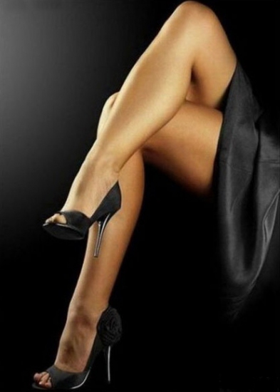 Порно фото красивых женских ног крупным планом в платьях